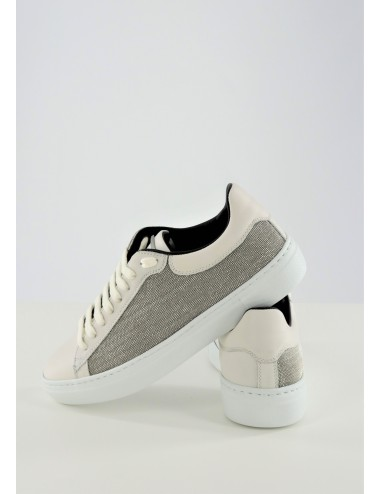 LEATHER DETAILED SNEAKER