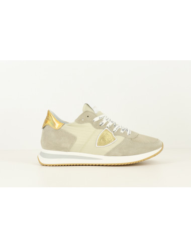 LEATHER SNEAKERS GOLD DETAILS